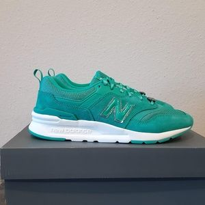 Womens New Balance Classic 997H Mystic Crystal